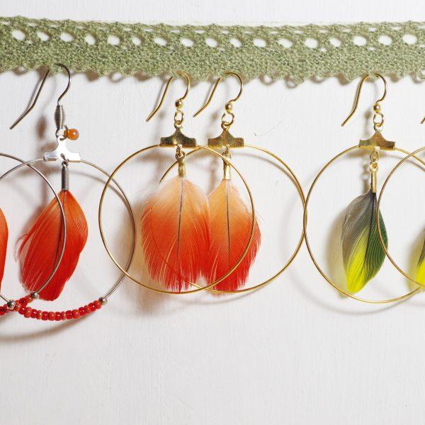 Boucles d'oreilles Brussoise : plumes et créoles