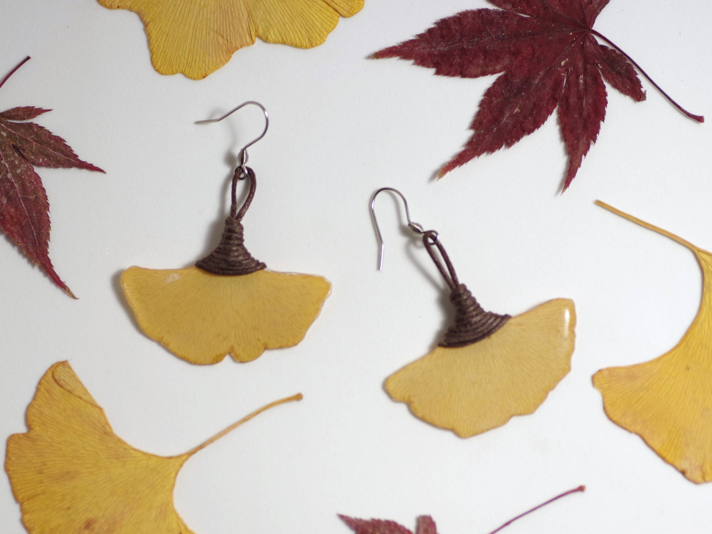 boucles d'oreilles végétales, pendentifs petites feuilles de ginkgo biloba jaunes